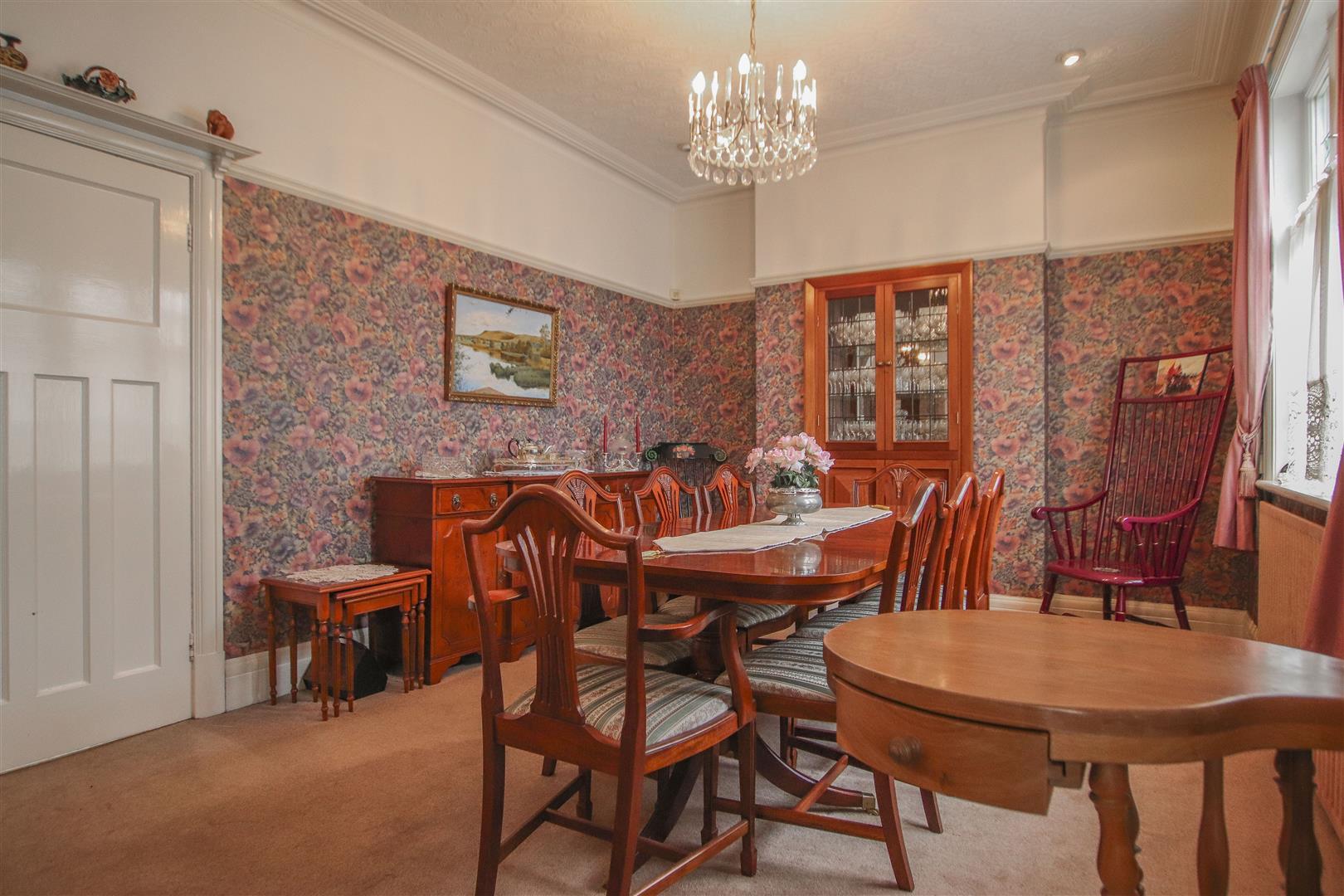5 Bedroom Detached House For Sale - 21.JPG